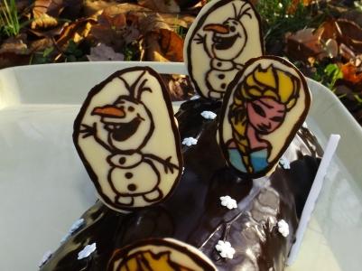 Bûche bavaroise aux 2 chocolats La Reine des Neiges4