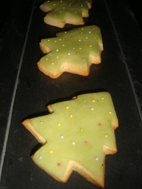 Biscuits à la vanille ( pour Noël )2