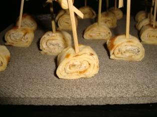 Crêpes roulées au fromage frais et à la tapenade pour l'apéro2