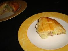 Feuilleté au camembert et au saucisson3