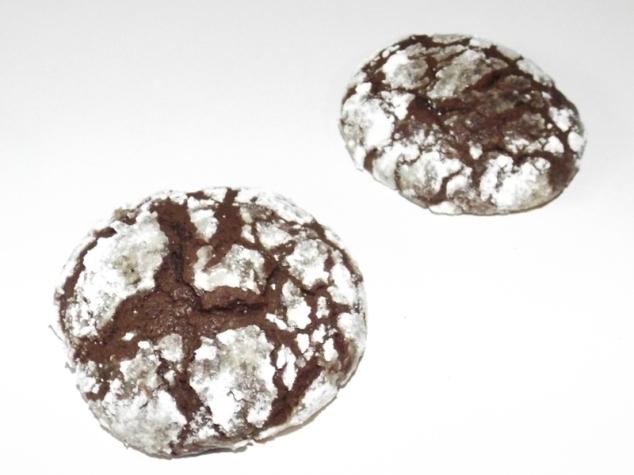 Biscuits tout chocolat craquelés de Martha Stewart.jpg