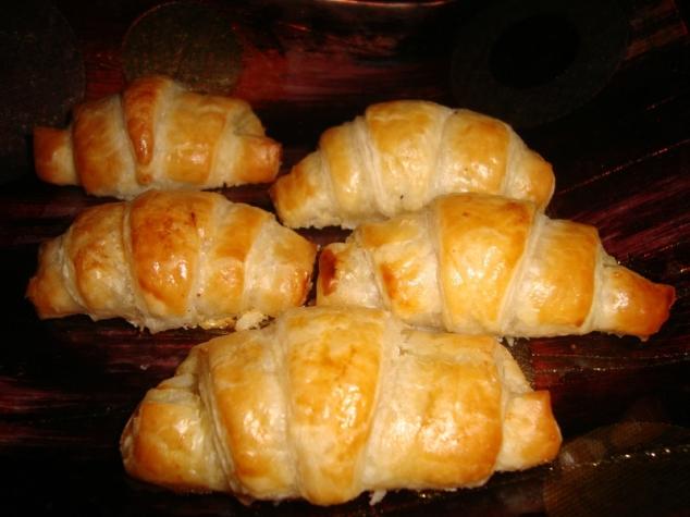 petit croissant feuilleté apéritif au foie gras 1