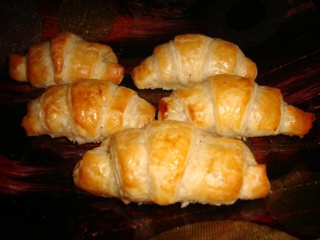 petit croissant feuilleté apéritif au foie gras